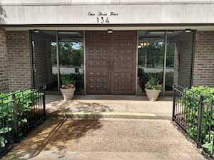134 Green Bay Rd #103 Winnetka, IL 60093