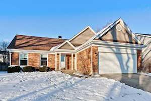 10 Augusta Dr Vernon Hills, IL 60061