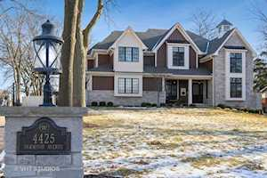 4425 Oakwood Ave Downers Grove, IL 60515