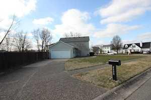 4000 Chenwood Ln Louisville, KY 40299