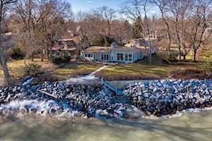2809 Lakeside Ct Evanston, IL 60201