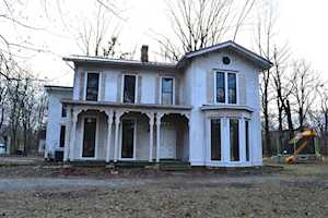 124 Maple Ave Pewee Valley, KY 40056