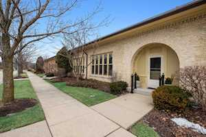 825 W Stables Ct Highwood, IL 60040