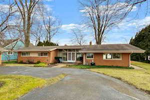 6167 E Pickwick Park Drive Syracuse, IN 46567