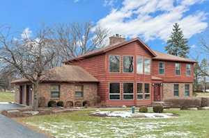 137 Glen Rd Hawthorn Woods, IL 60047