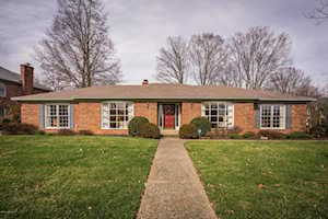 8903 Willow Springs Dr Louisville, KY 40242