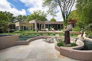 25 Lakewood Place Highland Park, IL 60035