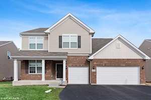 3532 Crestwood Ln Carpentersville, IL 60110