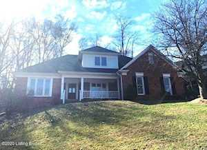 9309 Holiday Dr Louisville, KY 40272