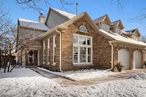 135 Willow Parkway Buffalo Grove, IL 60089