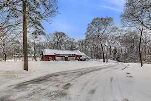 15345 W Oak Spring Rd Libertyville, IL 60048