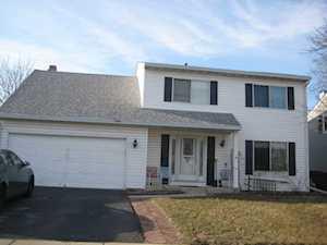 2607 Homestead Dr Naperville, IL 60564