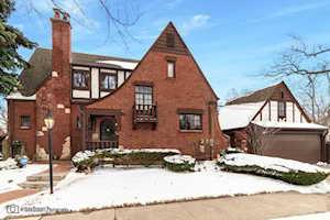 530 Elmore St Park Ridge, IL 60068