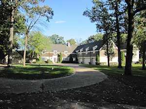 1955 Shore Acres Dr Lake Bluff, IL 60044