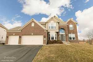 3533 Carlisle Ln Carpentersville, IL 60110