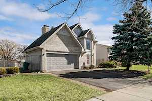 715 Greenview Ln Wheeling, IL 60090
