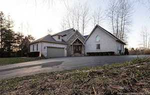 224 Dunlevy Rd Charlestown, IN 47111