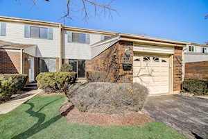 104 W Wimbolton Dr #104 Mount Prospect, IL 60056