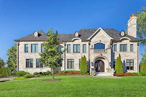6 Lochinvar Ln Oak Brook, IL 60523