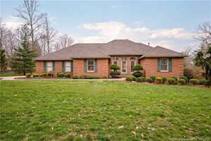 1050 Chapel Creek Trl New Albany, IN 47150