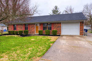 6513 Dunnlea Dr Pewee Valley, KY 40056