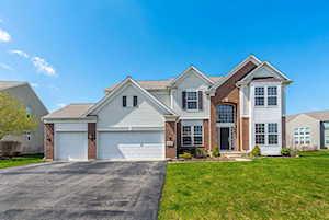 3527 Langston Ln Carpentersville, IL 60110