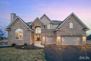 5226 Greenshire Circle Lake In The Hills, IL 60156