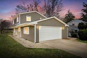 740 Terry Ln Countryside, IL 60525