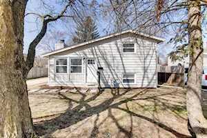 457 Tulsa Ave Carpentersville, IL 60110
