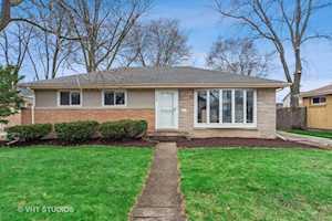 438 N Ridgeland Ave Elmhurst, IL 60126