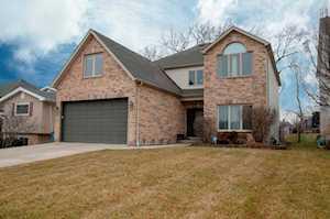 561 W Gladys Ave Elmhurst, IL 60126