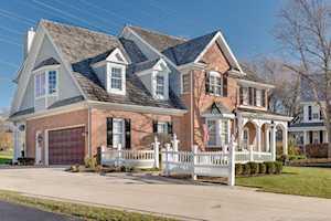 949 Winslow Circle Glen Ellyn, IL 60137