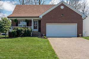 7106 Autumn Bent Way Crestwood, KY 40014