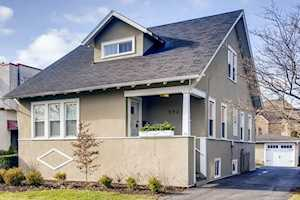 592 S Hillside Ave Elmhurst, IL 60126