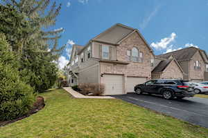 2848 Stonewater Dr Naperville, IL 60564