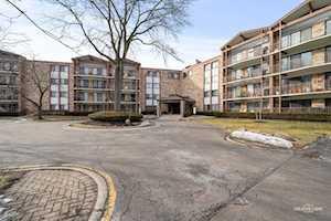 250 W Parliament Place #301 Mount Prospect, IL 60056