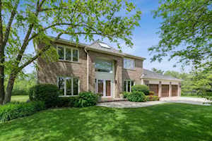 120 S Basswood Rd Lake Forest, IL 60045