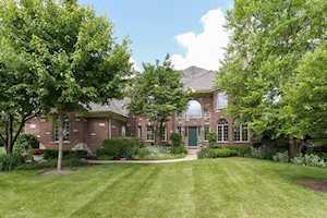 802 Waters Edge Dr South Elgin, IL 60177
