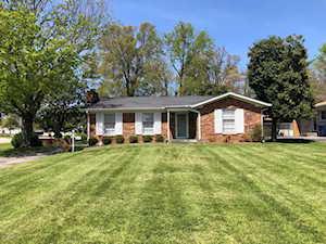 9301 Fernhill Dr Louisville, KY 40291