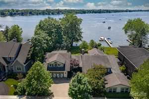 635 Leonard Parkway Crystal Lake, IL 60014