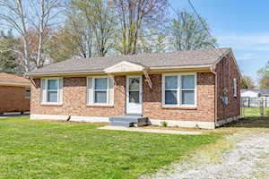 6119 Red Spruce Dr Louisville, KY 40229