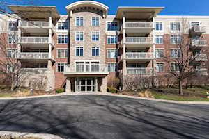 425 Benjamin Dr #303 Vernon Hills, IL 60061