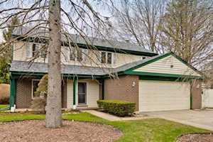 108 Midway Ln Vernon Hills, IL 60061