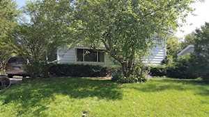 1623 Sacramento Dr Carpentersville, IL 60110