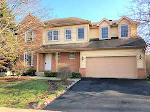 8 Sherwood Ct Lake In The Hills, IL 60156