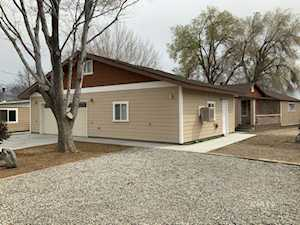 2006 Van Loon Ln Bishop, CA 93514