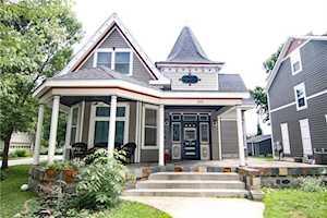 195 N Maple Street Zionsville, IN 46077