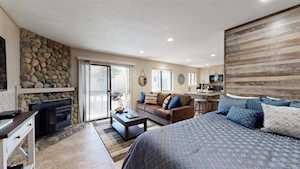 167 Meadow Lane #49 La Vista Blanc Mammoth Lakes, CA 93546