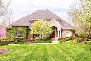 3010 Meadow Farms Pl Louisville, KY 40245