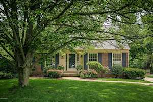 405 Cherry Point Dr Louisville, KY 40243